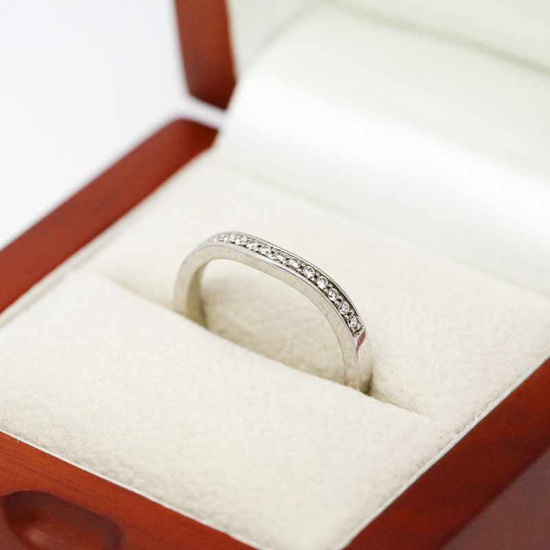 Curved Pave Setting Diamond Wedding Ring